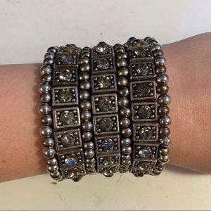 🛍3/$25 Silver statement bracelet